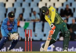South Africa's batsman Heinrich Klaasen, right, plays a shot as India's wicketkeeper MS Dhoni, watches during the second T20 cricket match between South Africa and India at Centurion Park in Pretoria, South Africa, Wednesday, Feb. 21, 2018. (AP Photo/Themba Hadebe)