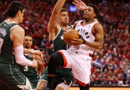 Toronto Raptors defeat  Milwaukee Bucks to tie series